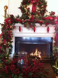 Holiday decor in the Ordinary Room at the Boars Head Inn (Photo Credit: Adroit Ideals)