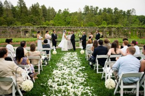 Have Your Wedding at Biltmore (Photo Credit: TworingStudios.com)
